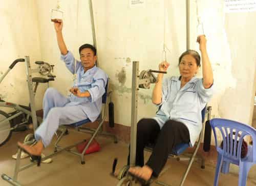 Chăm sóc bệnh nhân sau tai biến mạch máu não tại nhà